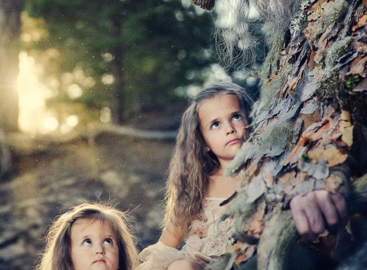 Vanha fauni ja lapset metsässä, old faun