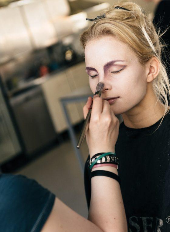 doing make up daughter of louhi Kalevala