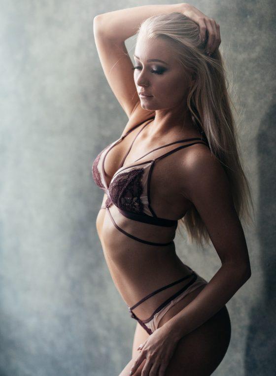 fitness glamour portrait of a finnish female wearing lingerie boudoir valokuvaus