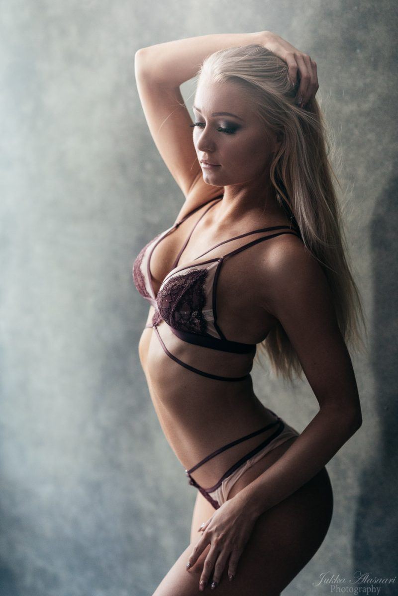 fitness glamour portrait of a finnish female wearing lingerie boudoir valokuvaus