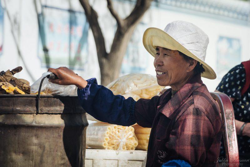 silk road china fruit merchant