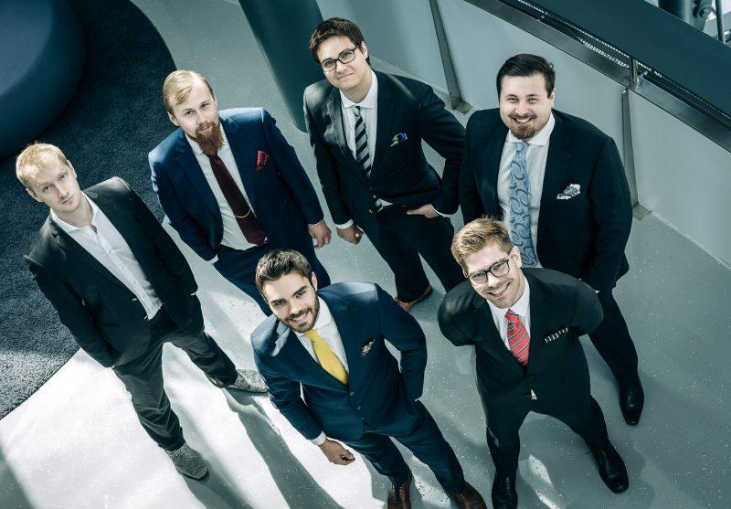 business group portrait yrityskuva ryhmäkuva