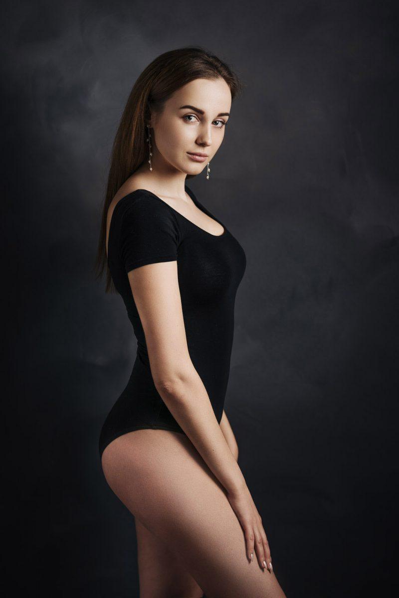 painterly portrait muotokuvaus brunette nainen