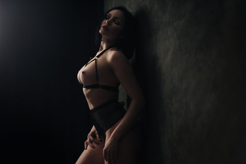 sensual boudoir photography